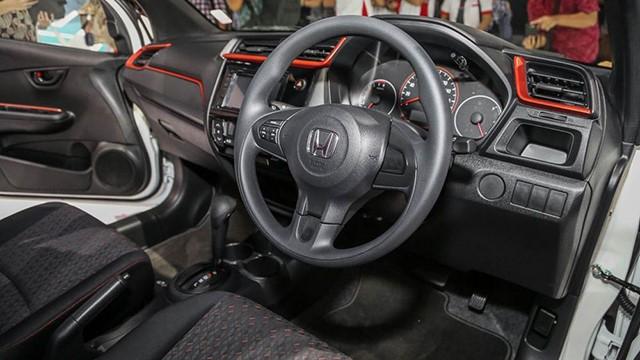 Đánh giá xe Honda Brio: Nội thất