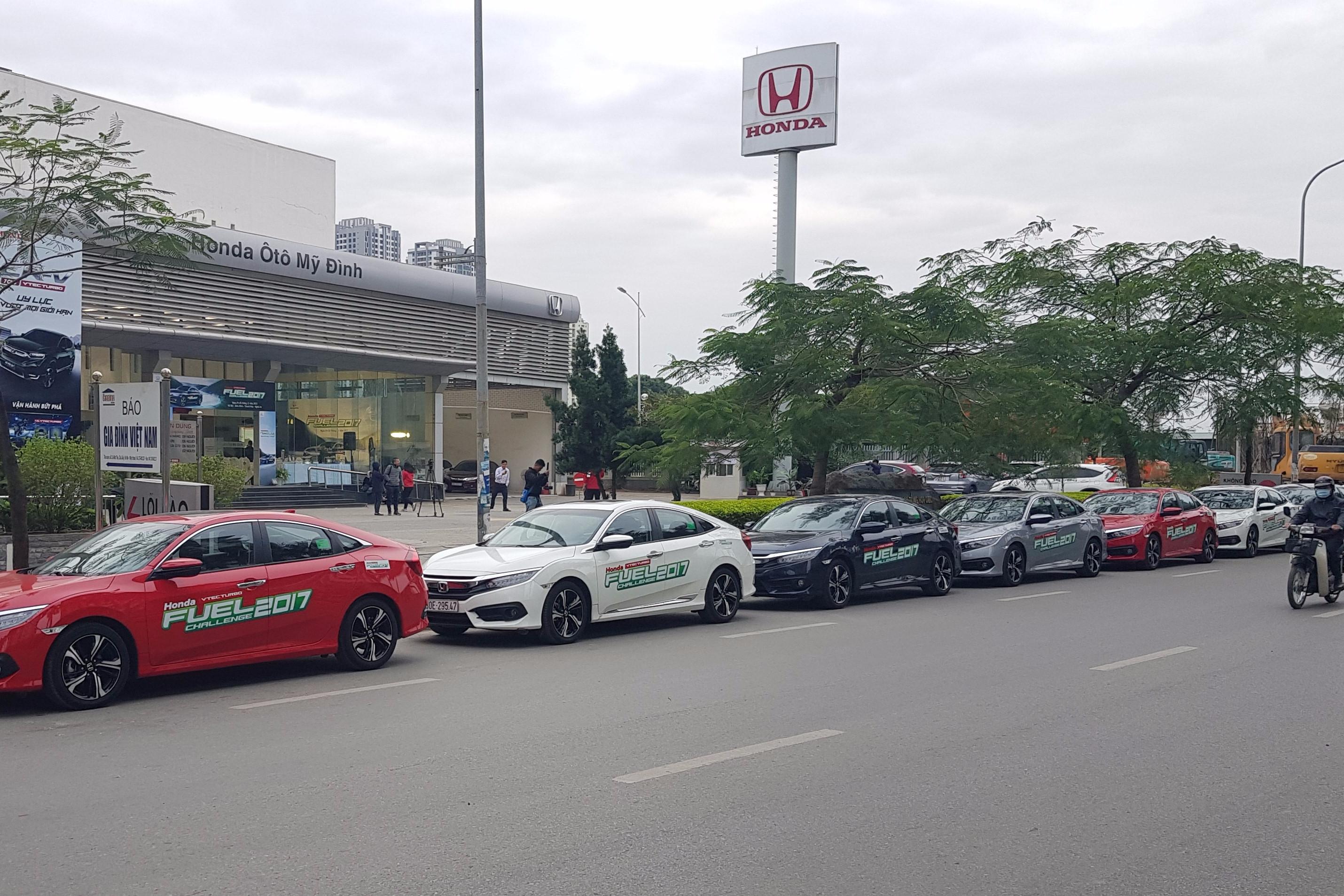 Ấn tượng với kết quả tiêu hao nhiên liệu trung bình của động cơ VTEC TURBO trên Honda Civic thế hệ thứ 10 (4,5L/100Km)