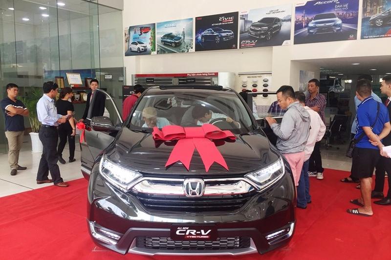 Ngắm, chạm & đặt cọc mua CR-V 7 chỗ tại Honda Cộng Hòa